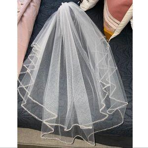 David's Bridal Veil - NWOT
